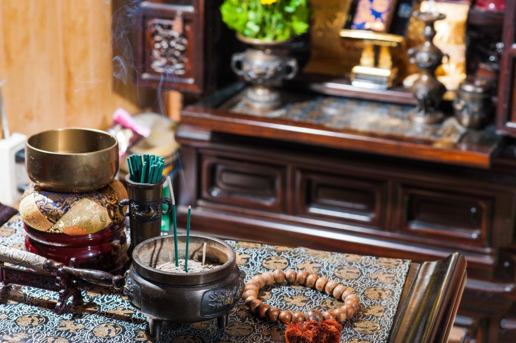 (1)仏壇は供養をしてから処分することもある